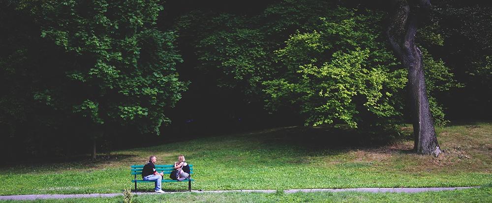 bench-talking-friends.jpg